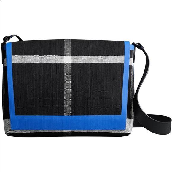 299f7aa3e2b0 AUTH Burberry Burleigh medium crossbody bag